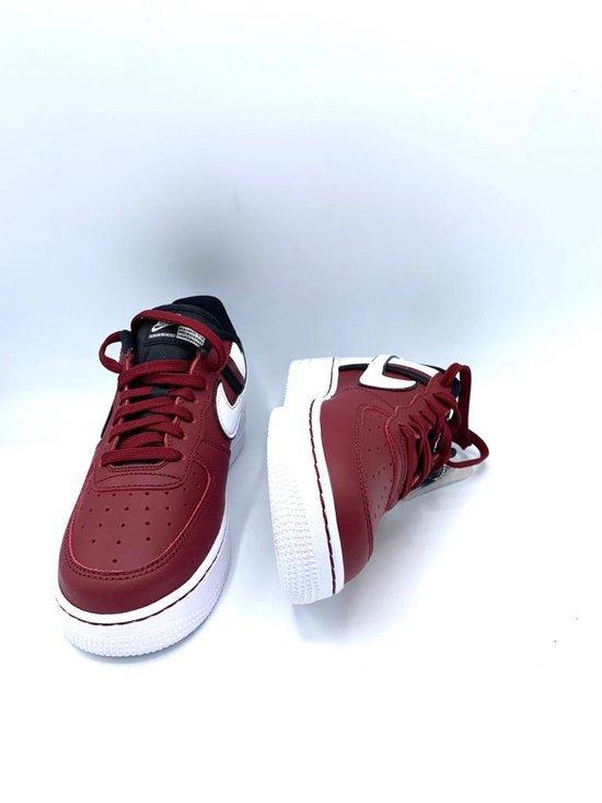 bol.com | Nike Air Force 1 '07 LV8 2- Sneakers Heren- Maat 39