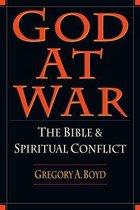 Boek cover God at War van Gregory A. Boyd