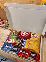 Brievenbus Snack box voor de vrijdagmiddag borrel vrijmibo leukepakketjes