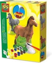 Paarden gieten