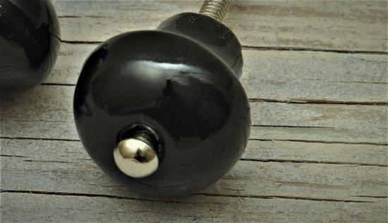 Harvey's Home, Kastknop, Mushroom zwart, rond, komt 3 cm naar voren. per 2 verpakt