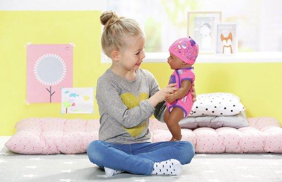 BABY born® Soft Touch Meisje - Interactieve babypop - 43cm