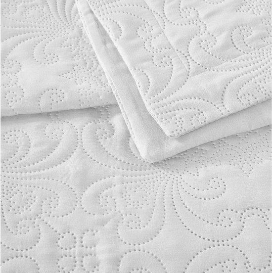 Sleeptime Clara - Bedsprei - 260x250 cm + 2 kussenslopen 60x70 cm - Wit