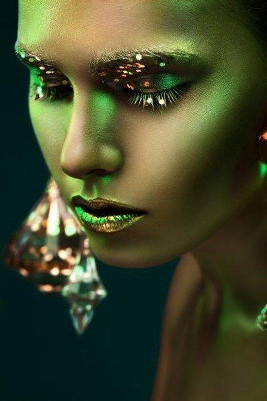 bol.com | Glasschilderij Vrouw Gezicht - 120 x 80 cm - Groen / Abstract -  Haarscherpe afbeelding