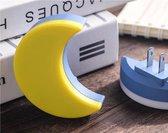 Maan - Nachtlampje  - Stopcontact lampje - voor kinderen - baby  met sensor voor dag/nacht (EU plug Stekker lamp)      -- kind / babykamer / kinderkamer / badkamer / gang / slaapkamer / babyshower / sinterklaas / kerst cadeau