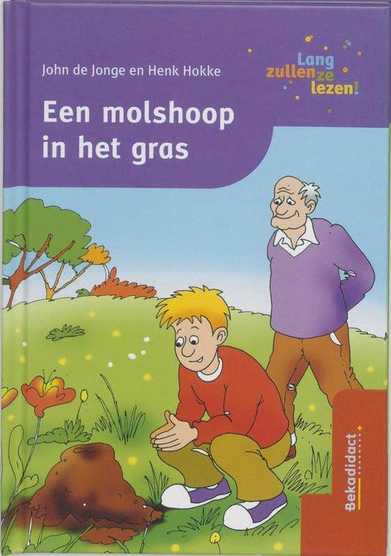 Een Molshoop In Het Gras - Joke de Jonge  