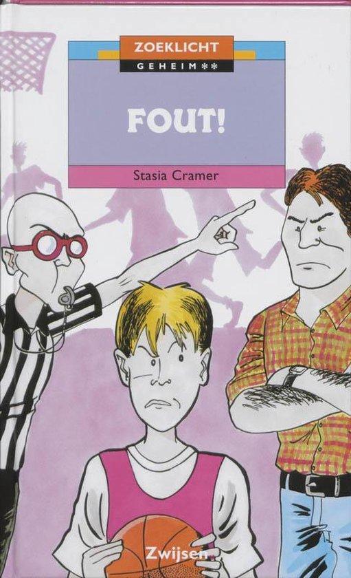 Boek cover Fout ! van Stasia Cramer (Hardcover)
