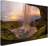 Waterval in IJsland Canvas 30x20 cm - klein - Foto print op Canvas schilderij (Wanddecoratie woonkamer / slaapkamer)