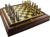 Luxe schaakset - Handbeschilderde Napoleon schaakstukken goud zilver en schaakbord met brass effect - 50 x 50 cm