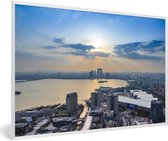 Foto in lijst - Zonsondergang boven het jinji-meer in Suzhou fotolijst wit 60x40 cm - Poster in lijst (Wanddecoratie woonkamer / slaapkamer)