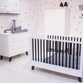Born Lucky - Babykamer Zara - 3-delige - Ledikant 70x140cm - Commode - Kledingkast - Wit - Zwart