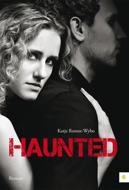 Cover van het boek 'Haunted' van Katja Ronsse-Wybo