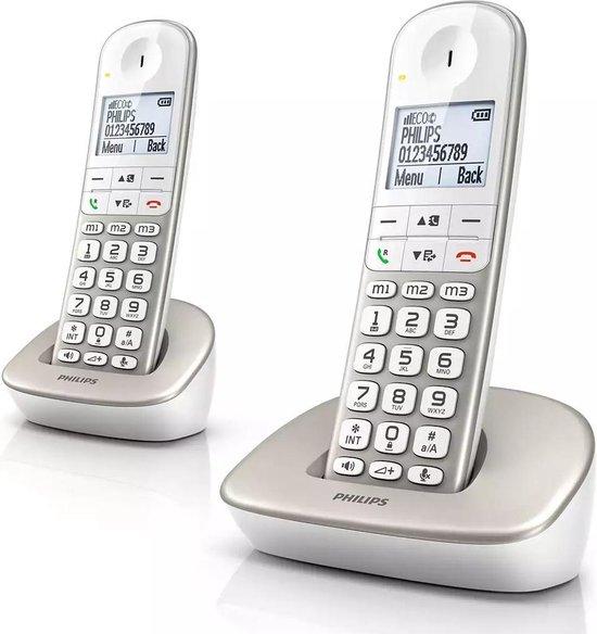 Philips XL4902S - Draadloze Senioren Telefoon met 2 Handsets - Grote Toetsen, Volumeboost en Gehoorapparaat Compatibiliteit – Wit