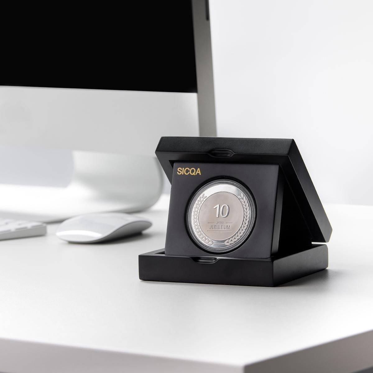 Sicqa | Puur verzilverde munt | 40 Jaar | Luxe geschenkverpakking | Jubileum cadeau | Cadeau | Huwelijk | Huwelijkscadeau | Geschenk | Geschenkset | Cadeaupakket