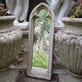 Betonnen tuinbeeld - betonnen gotische lancet spiegel - medium