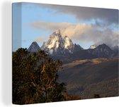 Afrikaanse Mount Kenya in de late namiddag Canvas 160x120 cm - Foto print op Canvas schilderij (Wanddecoratie woonkamer / slaapkamer) XXL / Groot formaat!