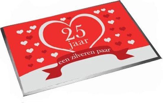 Deurmat/buitenmat jubileum 25 jaar getrouwd 40 x 60 cm - Feest deurmatten/buitenmatten/inloopmatten zilveren huwelijk