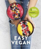 Boek cover Easy vegan van Living The Green Life (Hardcover)