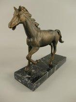Metalen beeld - Paard in draf - Marmeren sokkel - 18 cm hoog