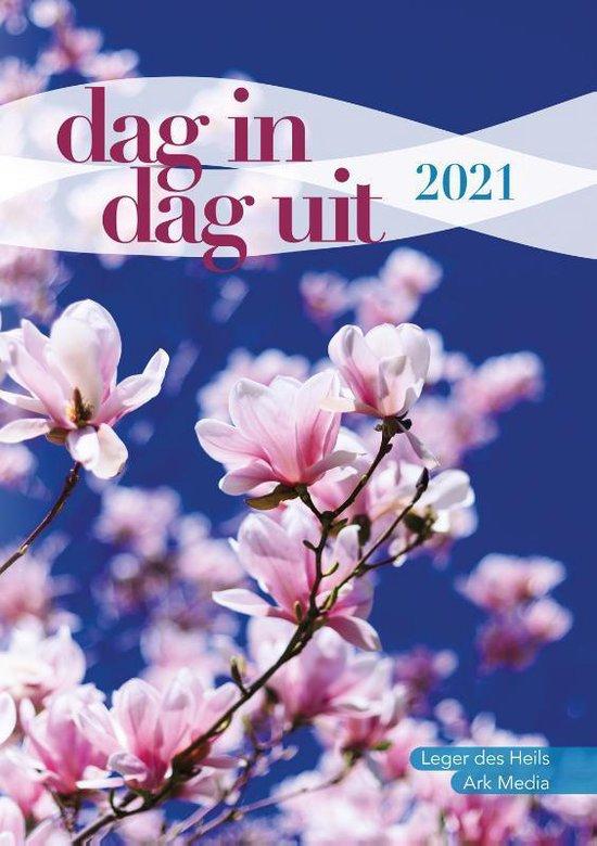 Boek cover Dag in dag uit 2021 van Diverse auteurs (Paperback)