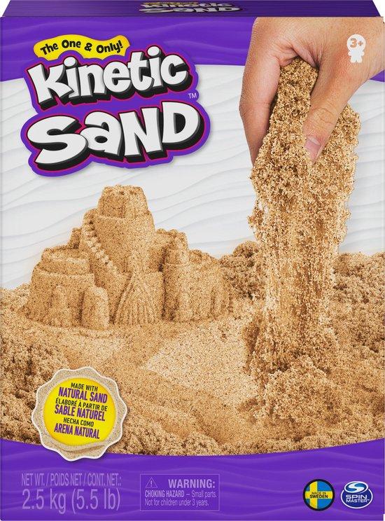Kinetic Sand, 2,5 kg bruin natuurlijk zand om te mengen, kneden en creaties mee te maken, vanaf 3 jr.
