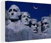 Maan boven de Mount Rushmore in Amerika Canvas 180x120 cm - Foto print op Canvas schilderij (Wanddecoratie woonkamer / slaapkamer) XXL / Groot formaat!
