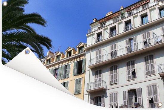 Franse architectuur in de straten van de Franse stad Nice Tuinposter 180x120 cm - Tuindoek / Buitencanvas / Schilderijen voor buiten (tuin decoratie) XXL / Groot formaat!