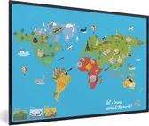 Foto in lijst - Moderne wereldkaart op een blauwe achtergrond fotolijst zwart 60x40 cm - Poster in lijst (Wanddecoratie woonkamer / slaapkamer)