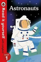 Astronauts - Read it yourself with Ladybird