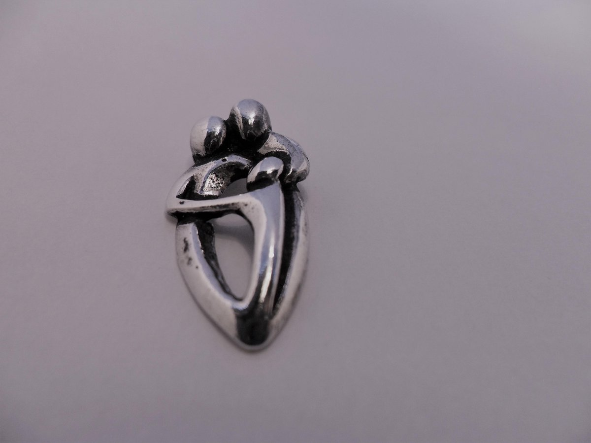 Zilverenbedel  moeder vader en kind hanger zilver - Power of symbols