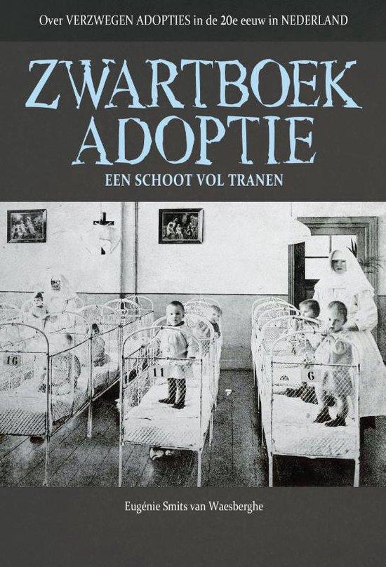 Boek cover Zwartboek adoptie van Eugenie Smits van Waesberghe (Paperback)