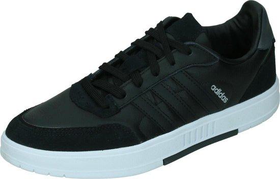 Adidas courtmaster in de kleur zwart/grijs.