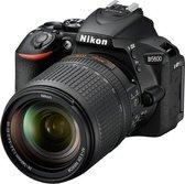 Nikon D5600 + AF-S 18-140 VR + 16GB + Tas