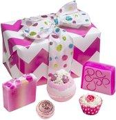 """Bomb Cosmetics Bad Geschenkset """"Glitter Gift"""" met handgegoten zeep, bath bombs en meer!"""
