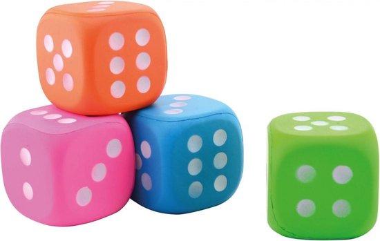 Thumbnail van een extra afbeelding van het spel 1x Grote foam dobbelsteen/dobbelstenen roze 12 cm - Dobbelspellen - Spelletjes met dobbelstenen