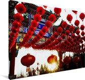 Rode lampionnen in Beijing Canvas 140x90 cm - Foto print op Canvas schilderij (Wanddecoratie woonkamer / slaapkamer)