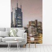 Moderne en verlichte gebouwen in het centrum van Nairobi in Afrika fotobehang vinyl breedte 375 cm x hoogte 500 cm - Foto print op behang (in 7 formaten beschikbaar)