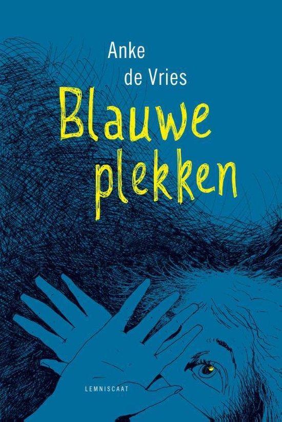 Boek cover Blauwe plekken van Anke de Vries (Hardcover)