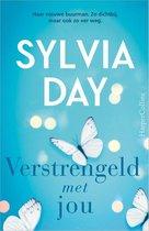 Boek cover Verstrengeld met jou van Sylvia Day