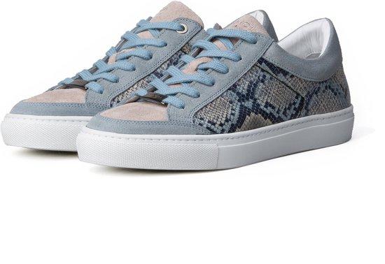 KUNOKA Gabrielle snake light blue - Sneakers Dames - maat 36 - Blauw Ivoor Wit Slangenprint