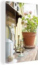 Geranium op een houten tafel Canvas 120x180 cm - Foto print op Canvas schilderij (Wanddecoratie woonkamer / slaapkamer) / Bloemen Canvas Schilderijen XXL / Groot formaat!