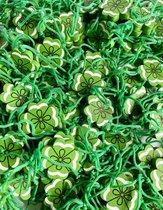 Klavertje vier geluksbrenger gelukspoppetjes - 50 stuks - hout - groen