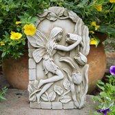 Betonnen wandplaat Elf met bloemen - tuinbeeld