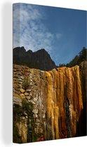 Kleurrijke rotsen in het Nationaal park Caldera de Taburiente in Spanje Canvas 90x140 cm - Foto print op Canvas schilderij (Wanddecoratie woonkamer / slaapkamer)