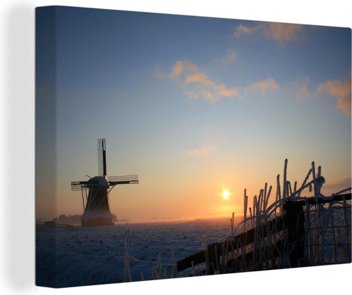 Canvas Schilderijen - Silhouet van een molen in Dokkum in Nederland - 120x80 cm - Wanddecoratie