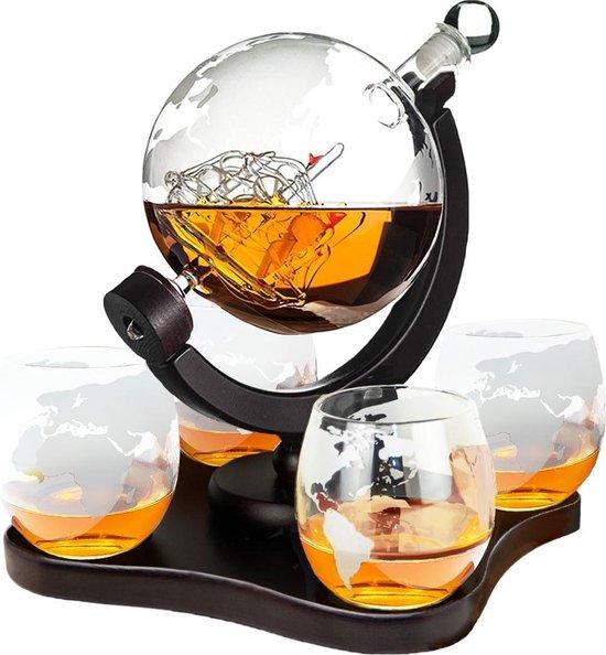 Whisiskey® Whiskey Karaf - Wereldbol - Luxe Whisky Karaf Set - Whiskey Set - 0,9 L - Decanteer Karaf - Incl. 4 RVS Whiskey Stones, Schenktuit en 4 Whiskey Glazen