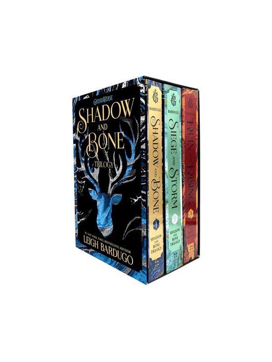 Boek cover Shadow and Bone Trilogy van Leigh Bardugo (Onbekend)