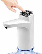 DATO® Elektrische Waterfles Pomp | Waterfles Dispenser | Digitale Display | Makkelijk voor in de Keuken | Multifunctioneel te Gebruiken | Opzetstuk Waterfles voor Hygiëne  | USB aansluiting