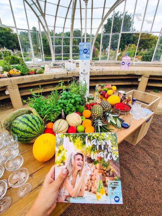 Happy Water receptenboekje by SipWell x Steffi Vertriest