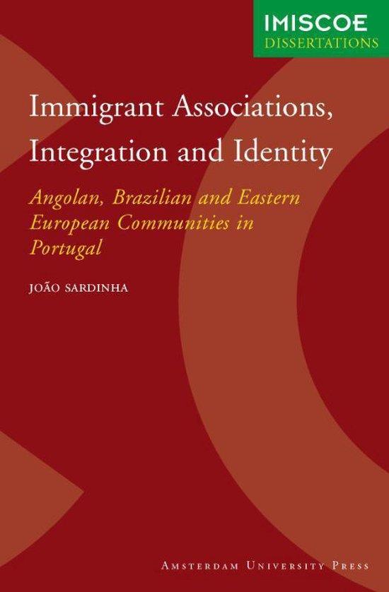 Cover van het boek 'Immigrant Associations, Integration and Identity / druk 1'